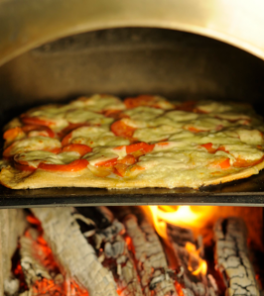 Pizza aus dem Grundofen